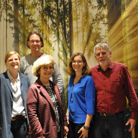 Die Vorstandschaft setzt sich zusammen aus (v.l.n.r.): Julia Hofer, Schriftführerin, Thomas Lutz, 2. Vorsitzender, Ursula Kneißl-Eder, Kassiererin, Katrin Gleißner, 1. Vorsitzende und Johannes Thum, Beisitzer.